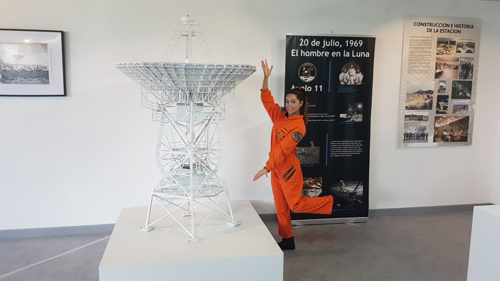 Astronauta y LiLi en el Centro de la Ciencia y el Espacio (Museo Lunar)